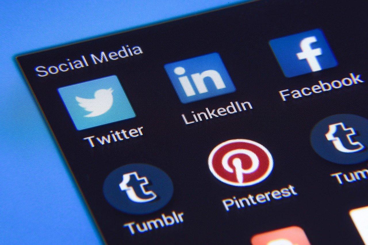 Campagne Facebook, l'efficacia dei profili farmati e review in target