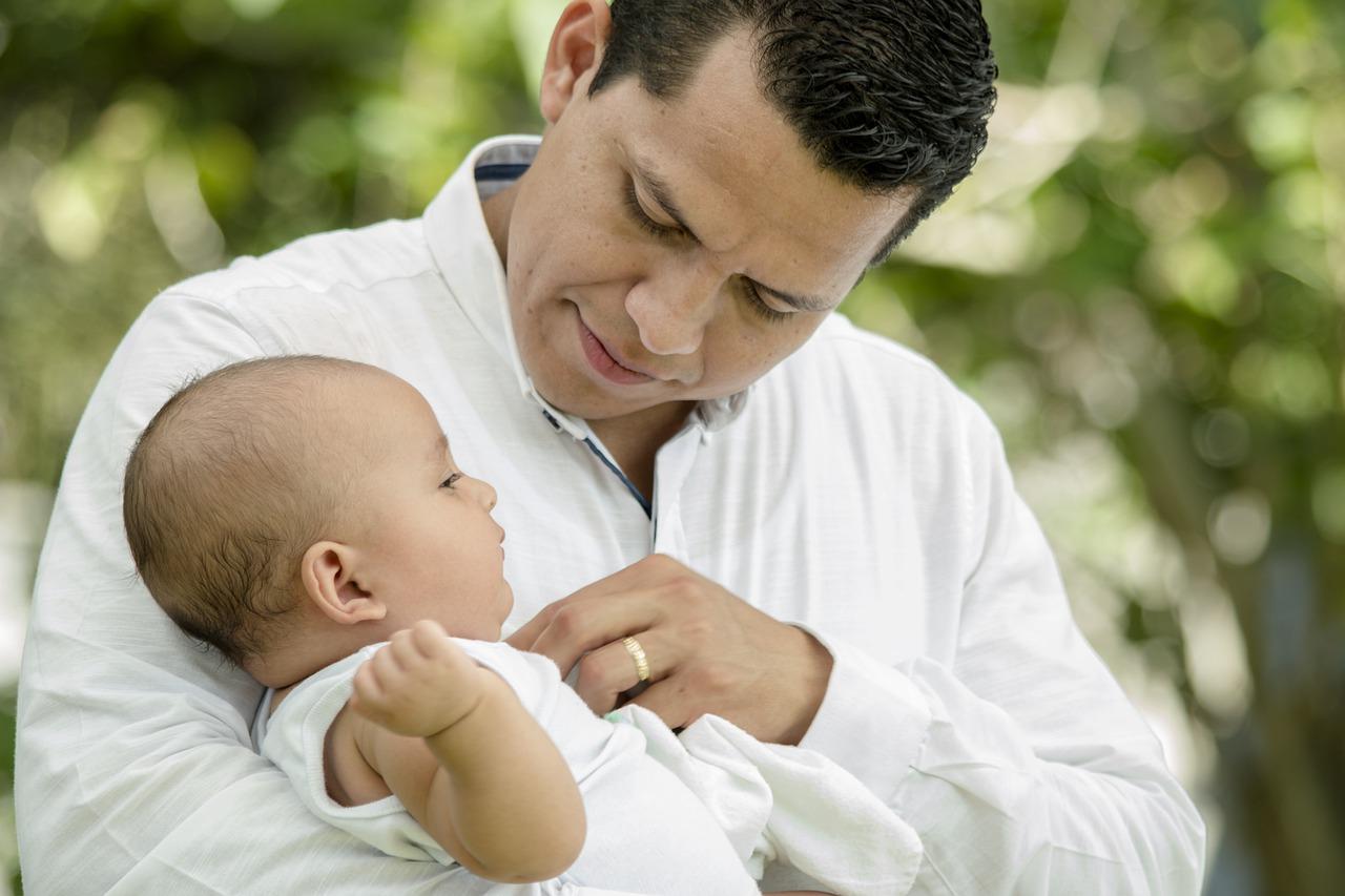 Papà blogger ci spiega quali sono i diritti e le tutele dei padri lavoratori