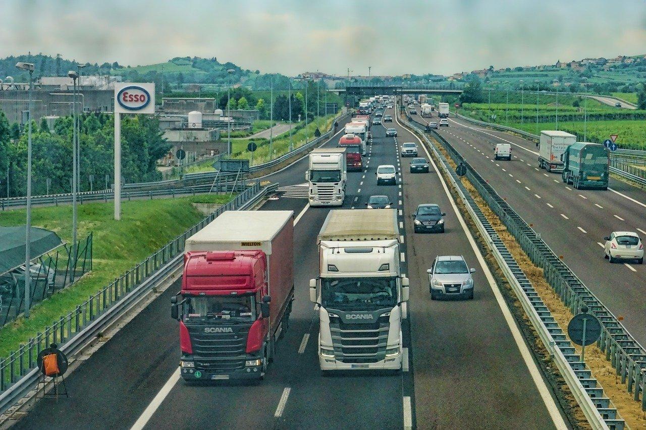 Accessori di qualità per camion, viaggi in sicurezza e risparmi